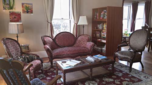 Davis Square Inn - Somerville (Cambridge, Boston), Massachusetts | furniture davis square